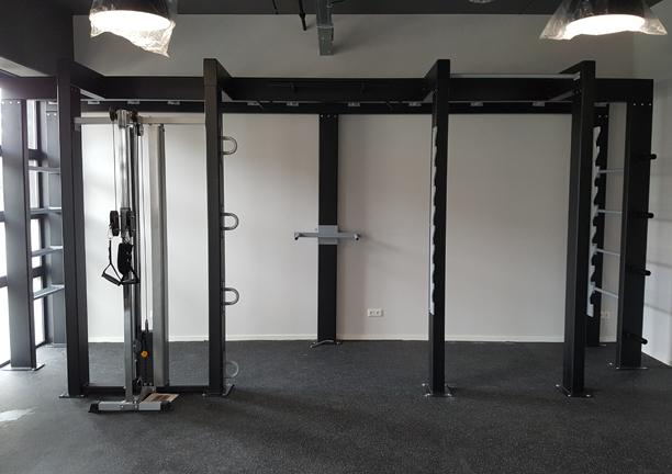 HITT-frame-muuropstelling-met-Dual-Pulley-en-Squat-opstelling